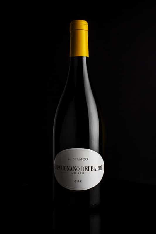 Fotografia still life bottiglia vino Degugnano dei Barbi
